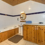 Bathroom of Mount Brandon SelfCatering Cottage
